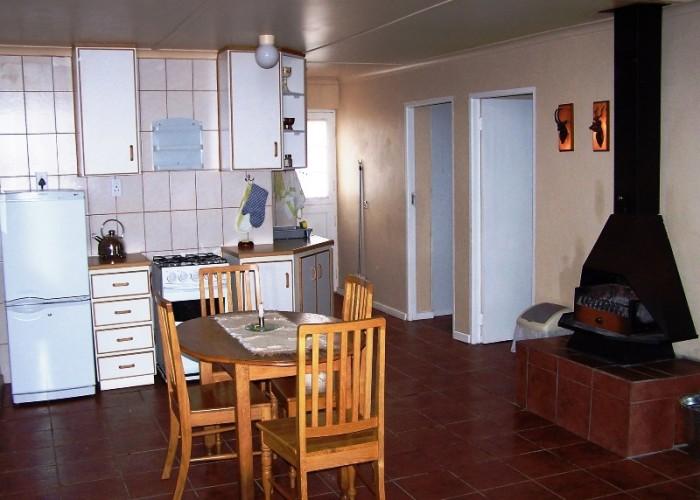 Open-plan Dining Area & Kitchen